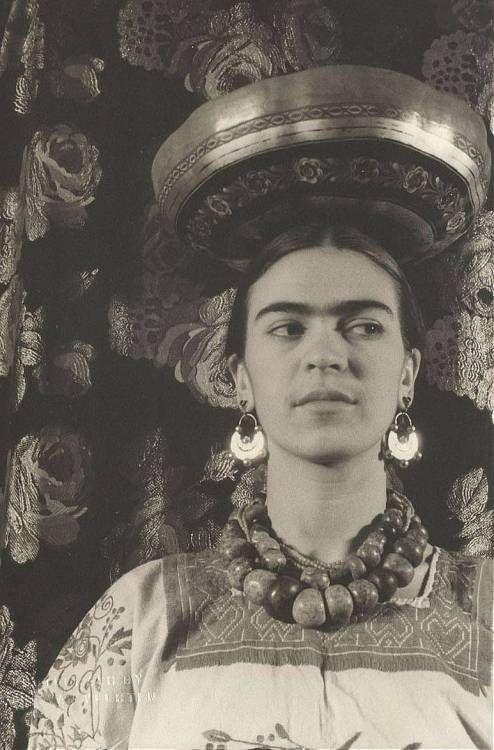 Biblioteca mexicana disponibiliza áudio com a voz de Frida Kahlo.